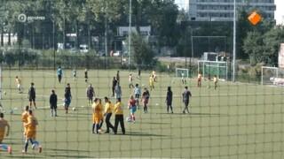 Voetbalmeisjes - Pia