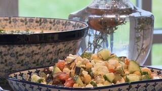 Aardappelsoepje en kikkererwtensalade