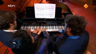 Bach door drie pianisten om één piano