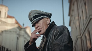 Himmlers Hersens Heten Heydrich - 5. Hoofdpijn