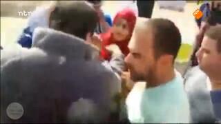 Hoe een menigte de arrestatie van Zafzafi uitstelde