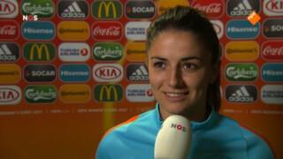 'Engelsen spelen de lange bal, wij moeten blijven voetballen'