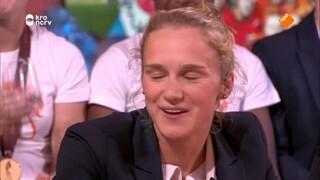 Bondscoach Sarina Wiegman, alle Oranjespelers en de KNVB-staf