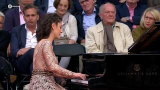 Schubert: Impromptu, op. 142 nr. 3 - Sophiko Simsive
