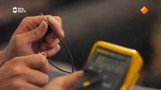 Kan Klaas een telefoon opladen zonder stroom?