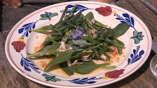 Salade met schapenkaas en zeegroenten