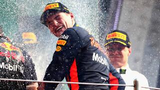 Superieure Verstappen wint GP Mexico