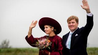 Koningspaar brengt streekbezoek aan Eemland