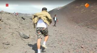 Bovenop een actieve stratovulkaan