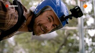 Chris waagt zich aan een van de snelste ziplines ter wereld