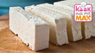 Kook mee met MAX Pittige pindacurry met boerenkool en tofu