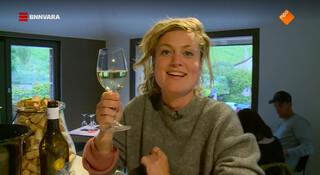 Nienke laat de wijntjes wel smaken