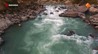 Risky Rivers Ryanne van Dorst en Maxime Hartman - Nepal