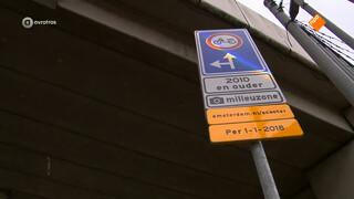 Gemeente Amsterdam weert als eerste vervuilende bromfietsen