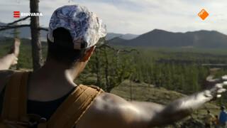 Maurice beklimt de Mongoolse Khorgo vulkaan