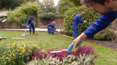 Muziek maken bij het tuinieren