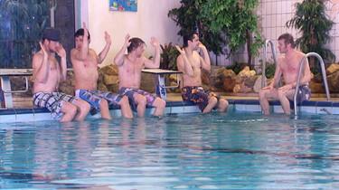 Muziek maken in het zwembad