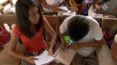 Nieuwsuur in de klas: Vrijwilligerswerk in het buitenland