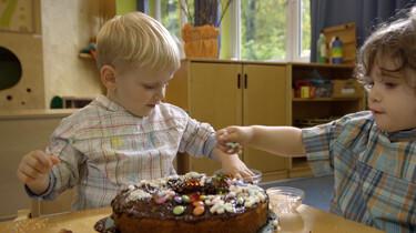 Hoe versier je een cake?