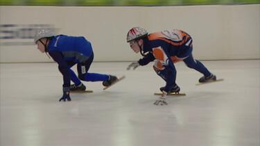 Wat is shorttrack?: Keihard schaatsen op een korte baan