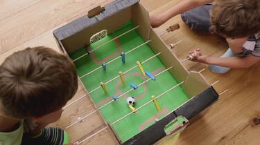 Hoe maak je een voetbaltafel?