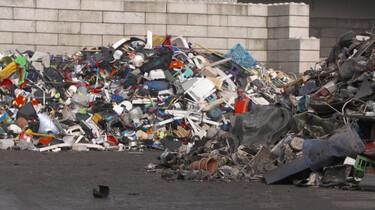Plastic: wondermateriaal en natuurramp