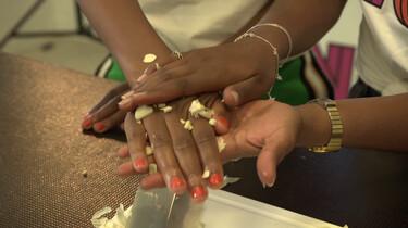 Helpt knoflook tegen muggen?: Een experiment met stinkende knoflookhanden