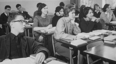 Andere Tijden in de klas : Naar de middelbare school