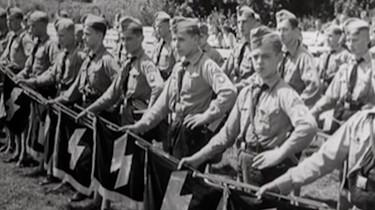 Vechten voor de vijand in oorlog: Vluchten naar Duitsland