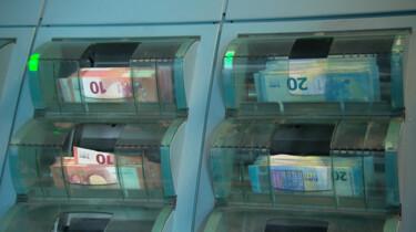 Waar komt het geld uit een pinautomaat vandaan?