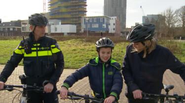 Wat doet de politie te fiets?