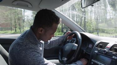 Hoe start een auto?: Een kijkje onder de motorkap