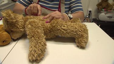 Hoe wordt een teddybeer gemaakt?