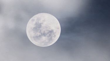 Het waait te hard op de maan om er naartoe te gaan