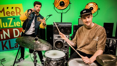 Méér Muziek in de Klas: Rappen over Zweden met Buddy en meester Willem