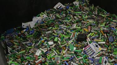 Hoe worden batterijen gerecycled?: Inleveren, sorteren en hergebruiken