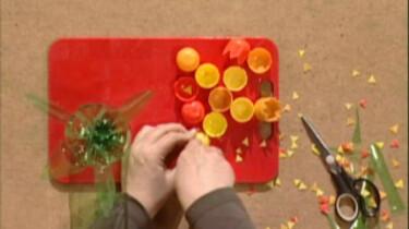 Maak zelf een vaas met tulpen
