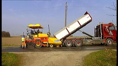 De asfalteermachine