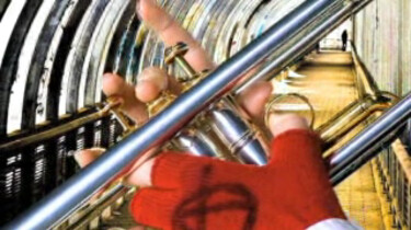Sem speelt trompet