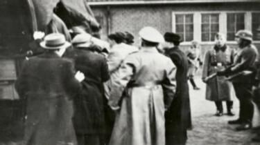 Joden worden weggevoerd