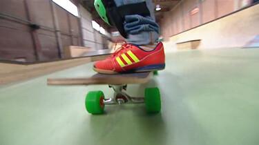Hoe wordt een skateboard gemaakt?