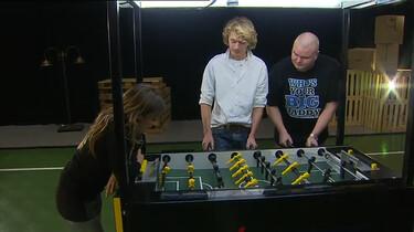 Hoe werkt een tafelvoetbalrobot?