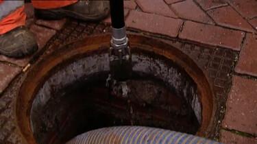 Hoe wordt het riool schoongemaakt en geïnspecteerd?
