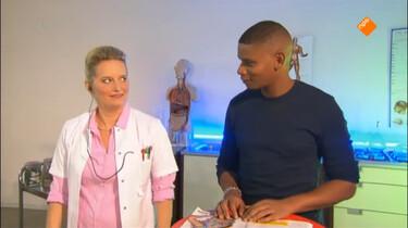 De Dokter Corrie Show: Versieren
