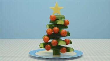 Een kerstboom van komkommers