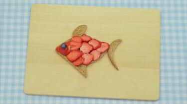 Een vis van brood en aardbeien
