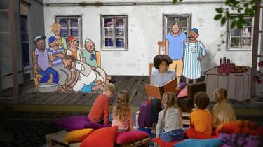 Verhalen uit de Schatkist: Jezus wast de voeten van zijn vrienden