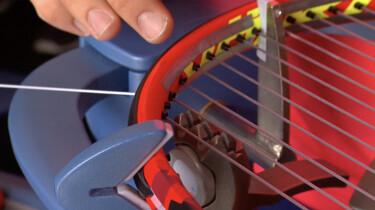 Hoe worden tennisrackets bespannen?