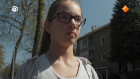 Zapp Echt Gebeurd: Mensjesrechten  | Lara's reis
