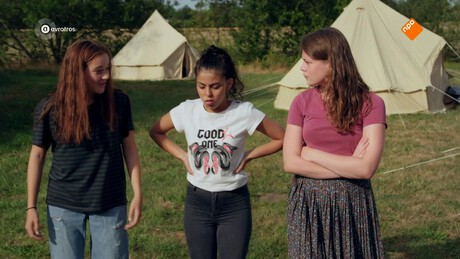 Brugklas | Schoolkamp - Meisjes plagen